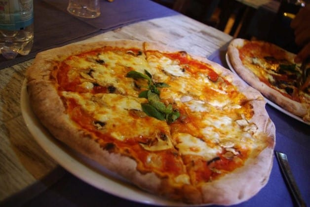 This one I had in touristic Rome, yet it's easily the absolute best pizza I had in my entire life. Italy is a zillion levels above the rest of the world when it comes to pizzas.