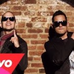 Official Video: Angel & Khriz – Te Sigo Amando