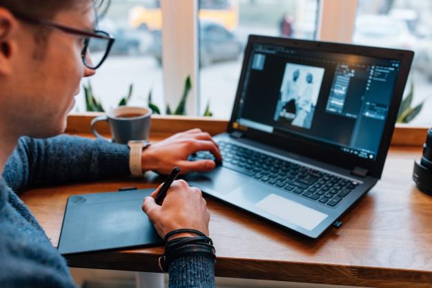 Ideias para trabalhar em casa pela internet e ganhar dinheiro