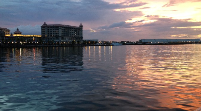 Twinkle: Sunset in Port Louis Harbour in Mauritius