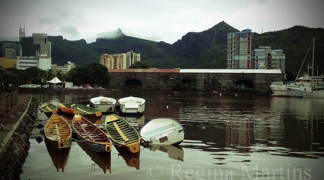 Mauritius boats by reginamartins.com