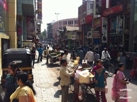 Bazaar street, Lakshmi Road in Pune, India ©2016 Regina Martins