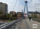 Pedestrian bridge over the Main river in Frankfurt ©2017 Regina Martins