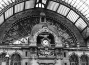 The central clock is a popular subject to photograph as passengers come up the escalators from the lower levels ©2018 Regina Martins