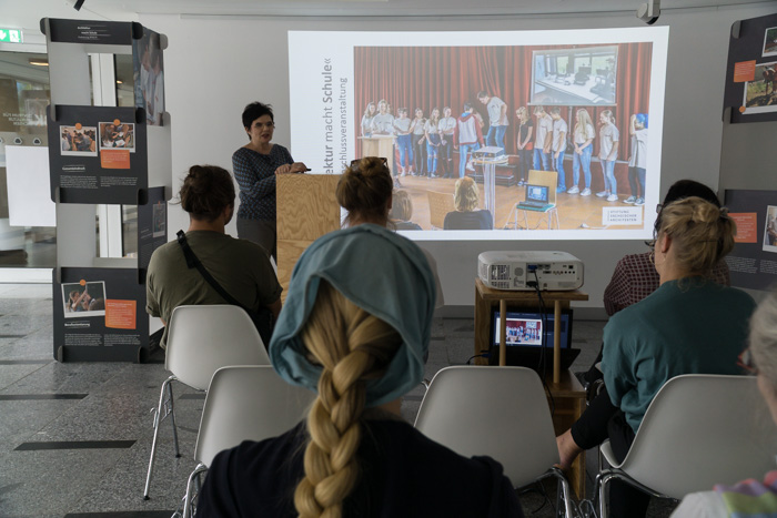 """Ausstellungseröffnung """"Architektur macht Schule""""im Zentrum für Baukultur in Dresden ZfBK"""