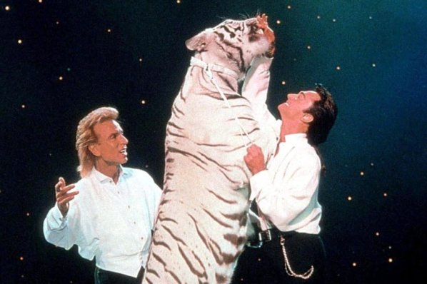 magicians-siegfried-and-roy-2002-e1569873525571-760x506