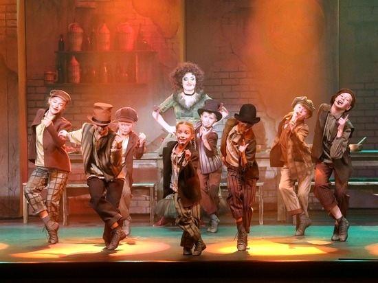 Свердловские театры в режиме онлайн