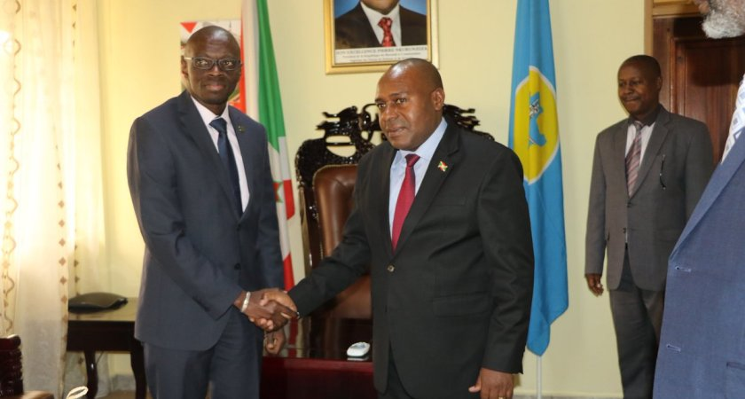 Meeting of the 2nd Vice-President Dr. Joseph Butore with the head of the African Development Bank in Burundi.