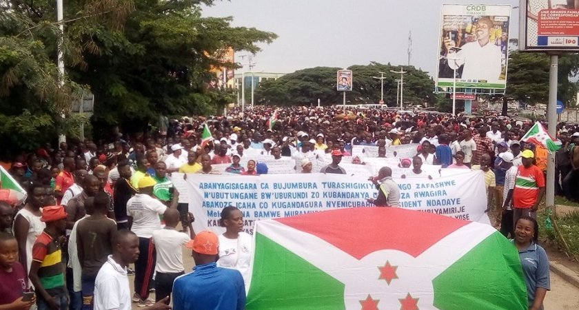 Burundians demonstrate to vent their anger against the African Union President.