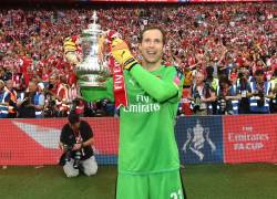 Arsenal Goalkeeper ,Petr Cech announces to retire at the end of the season