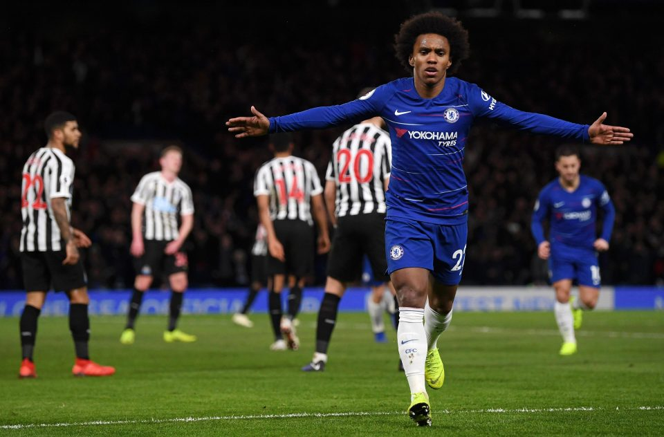 Willian? Don't ask me about his contract, fires Sarri