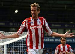 Peter Crouch returns to Premier League signed by Burnley