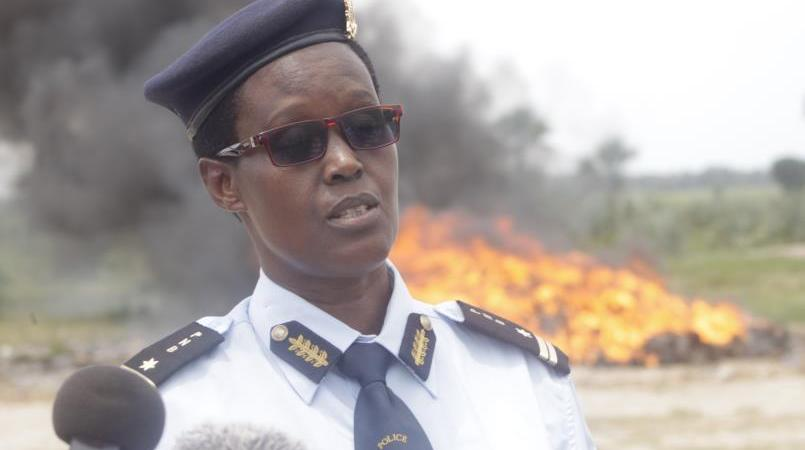 Burundi: Private security companies prohibited to use military uniforms.