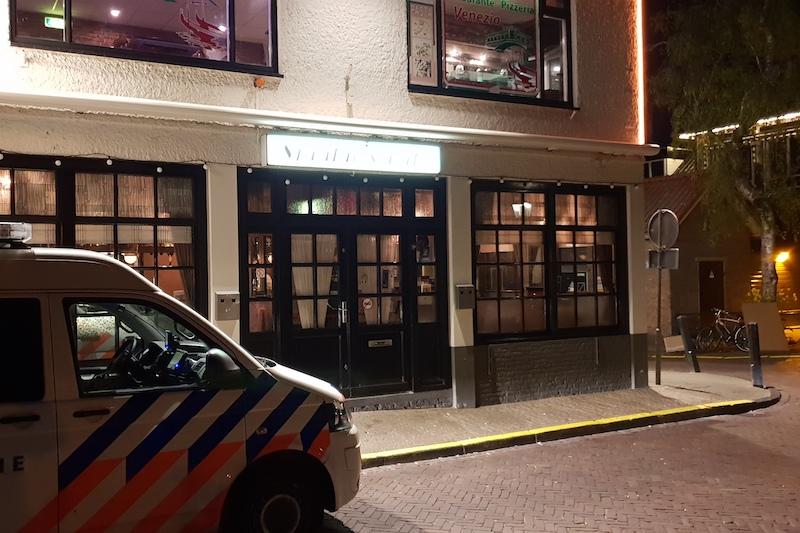 Medewerker van Sjaakie's Café in Volendam bedreigd bij overval