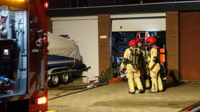 Photo of Brand in garagebox met oldtimer in Edam