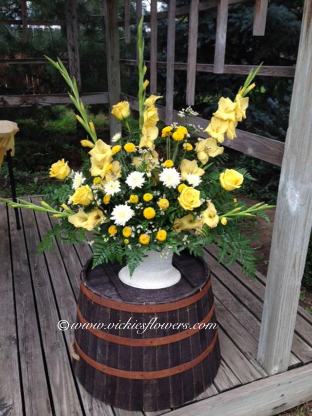 Barrell Wedding Decor Wedding Flowers Vickies Flowers Brighton Colorado Florist