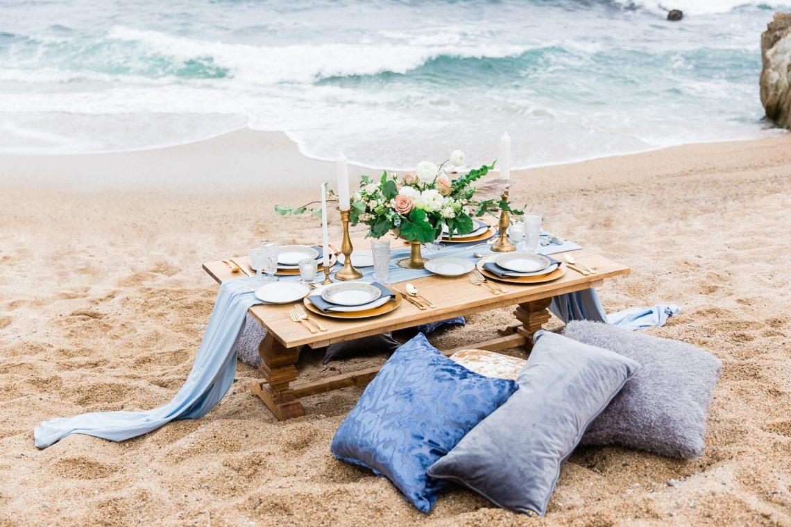 Beach Wedding Ideas Romantic Beach Wedding Ideas With Blue And Gold Colour Palette