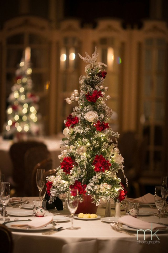 Christmas Wedding Decor 30 Awesome Winter Red Christmas Themed Festival Wedding Ideas