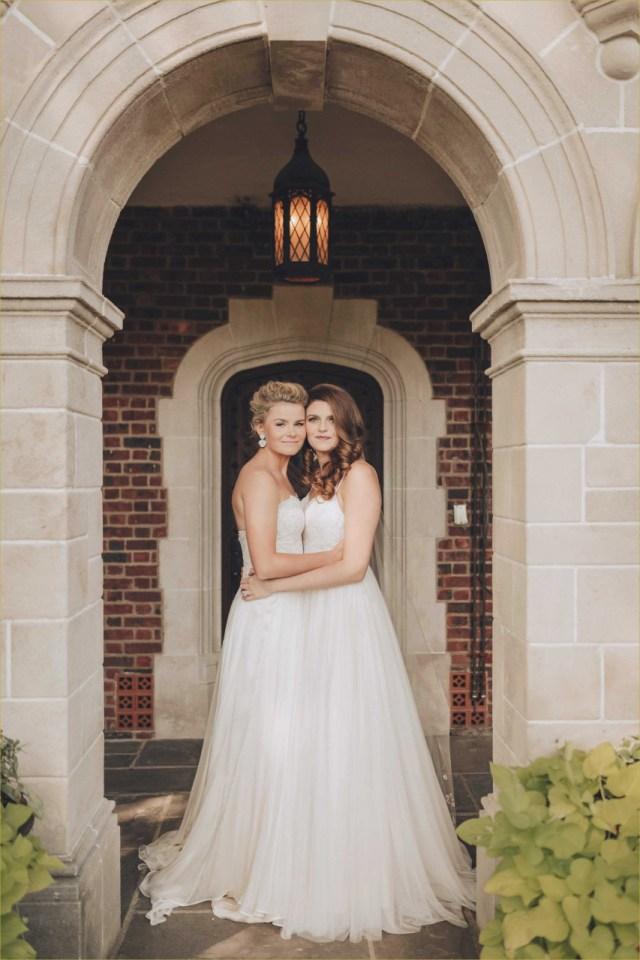 Leabian Wedding Ideas 20 Beautiful Wedding Dresses For Lesbians Baseballbiloxi