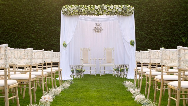 Outdoor Wedding Ideas Outdoor Weddings In Essex Outdoor Wedding Packages Gaynes Park