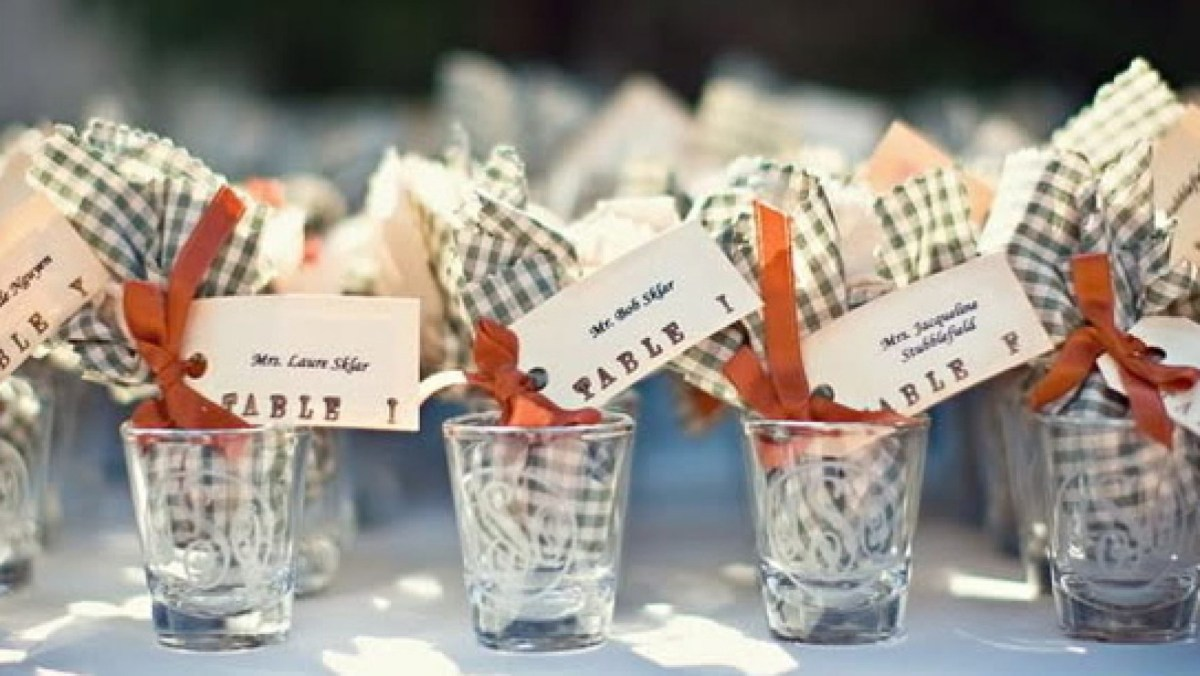 Souvenir Ideas Wedding Wedding Favors Gift Ideas Your Guests Will Love Critics Choice