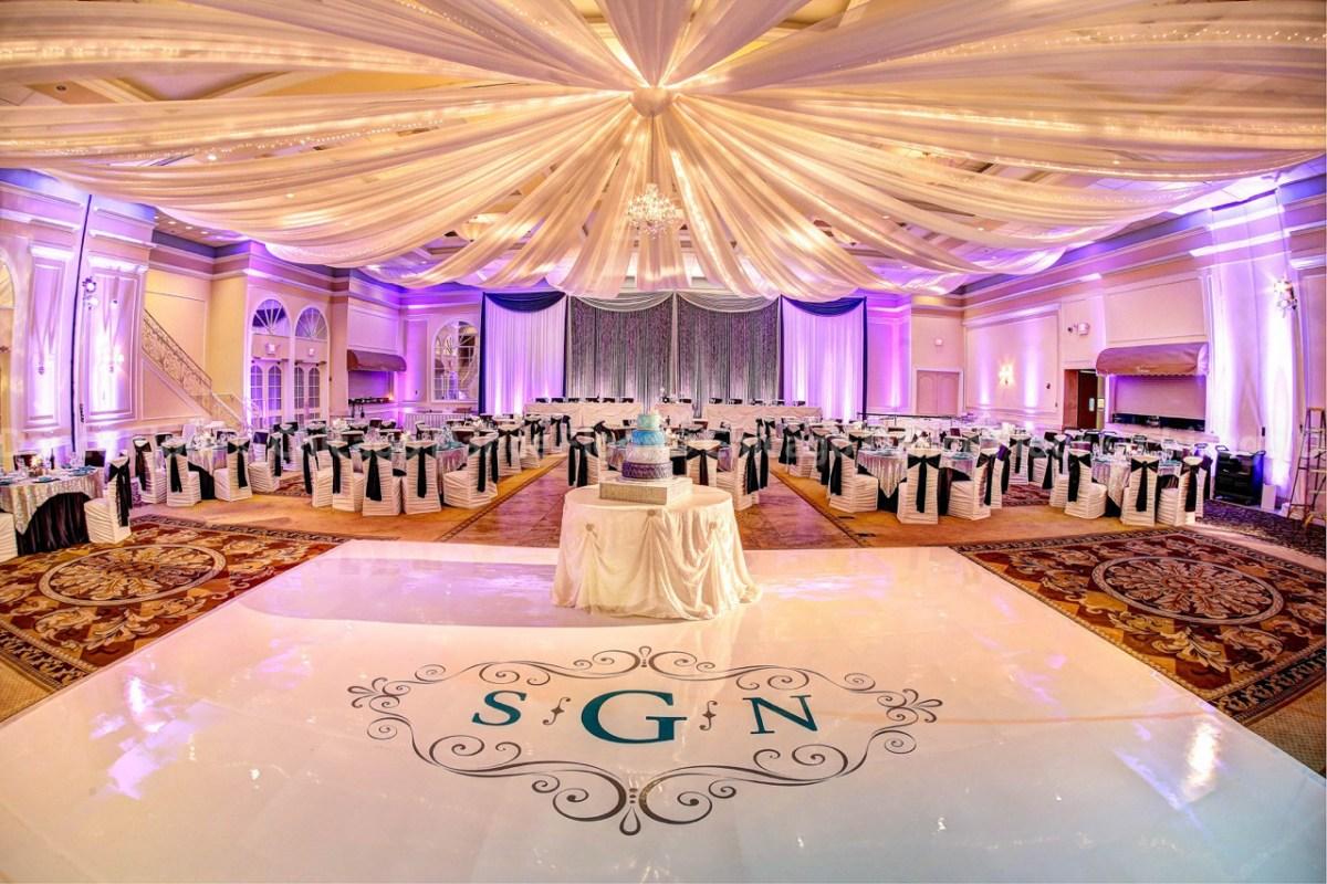 Wedding Initial Decor 2017 Wedding Trend Floor Design Equally Wed Lgbtq Weddings