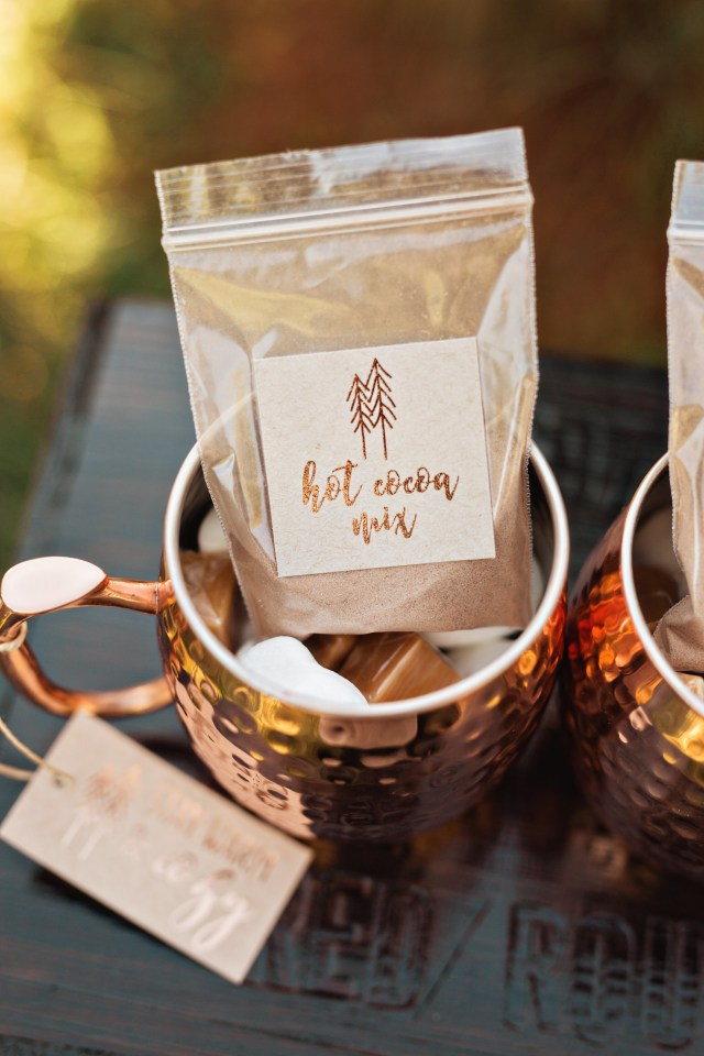 Winter Wedding Diy 15 Diy Wedding Favors That Even The Least Crafty Couples Can Conquer