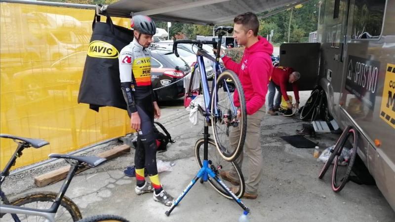 Een maand na zijn knie-operatie mag Vincent Baestaens aan fietsen denken