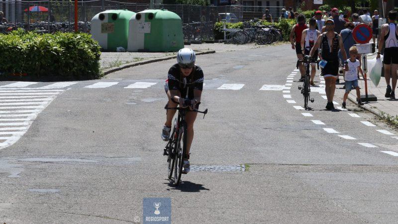 Charlotte Verhaegen vindt zuurstof in de triatlonsport