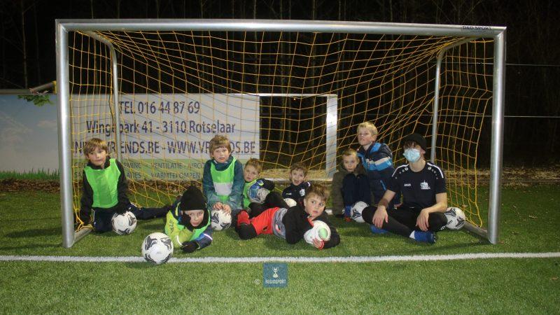 U7C Sportief Rotselaar voetballen nog niet zo lang samen