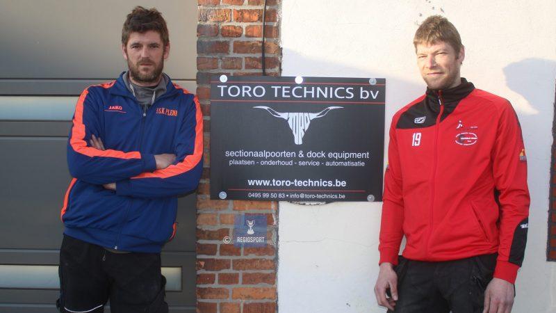 Broers Joery en Jordy werken professioneel samen maar beduvelen elkaar met plezier op het voetbalveld