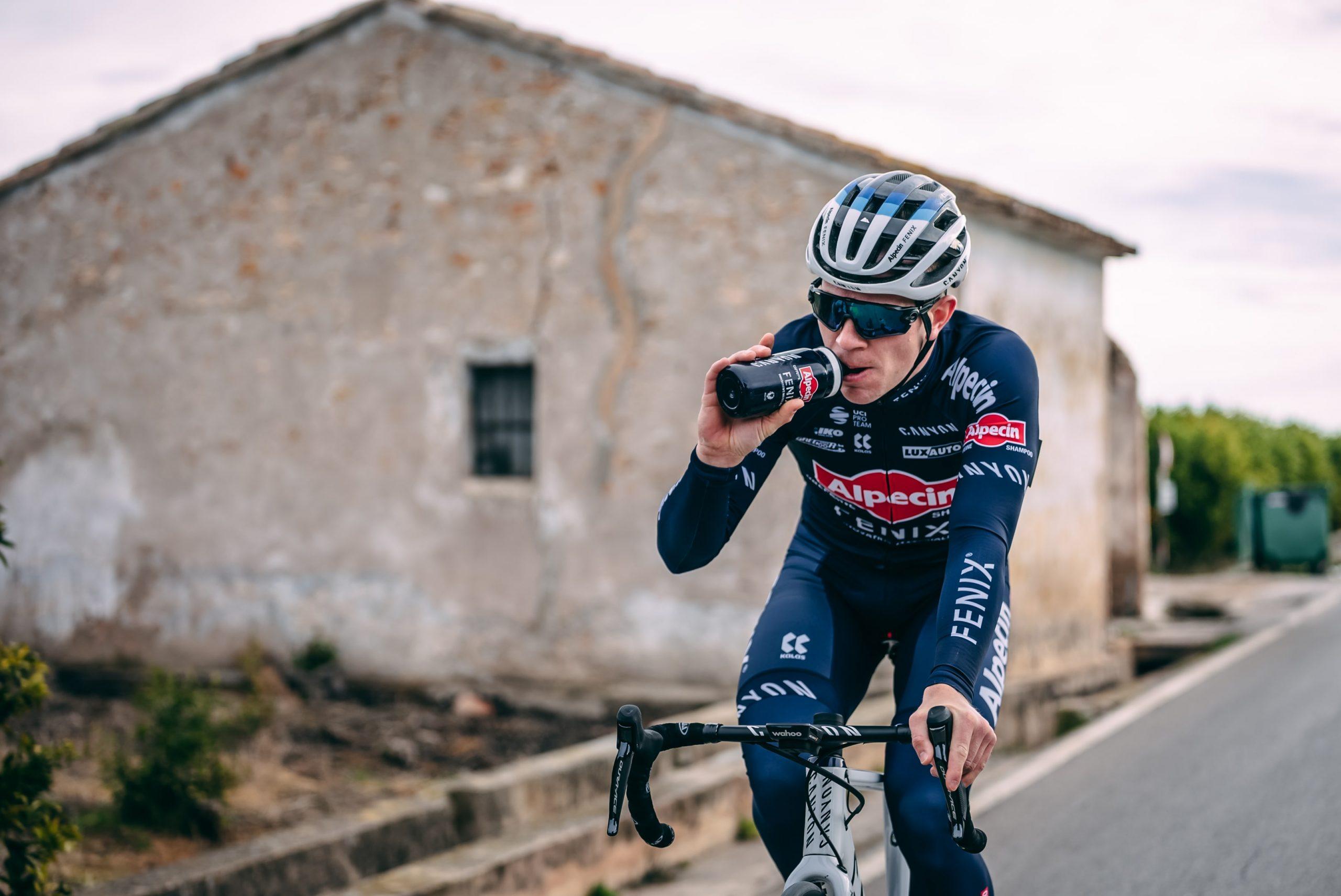 Lionel Taminiaux door weer, wind en sneeuwstorm in de Presidential Cycling Tour of Turkey