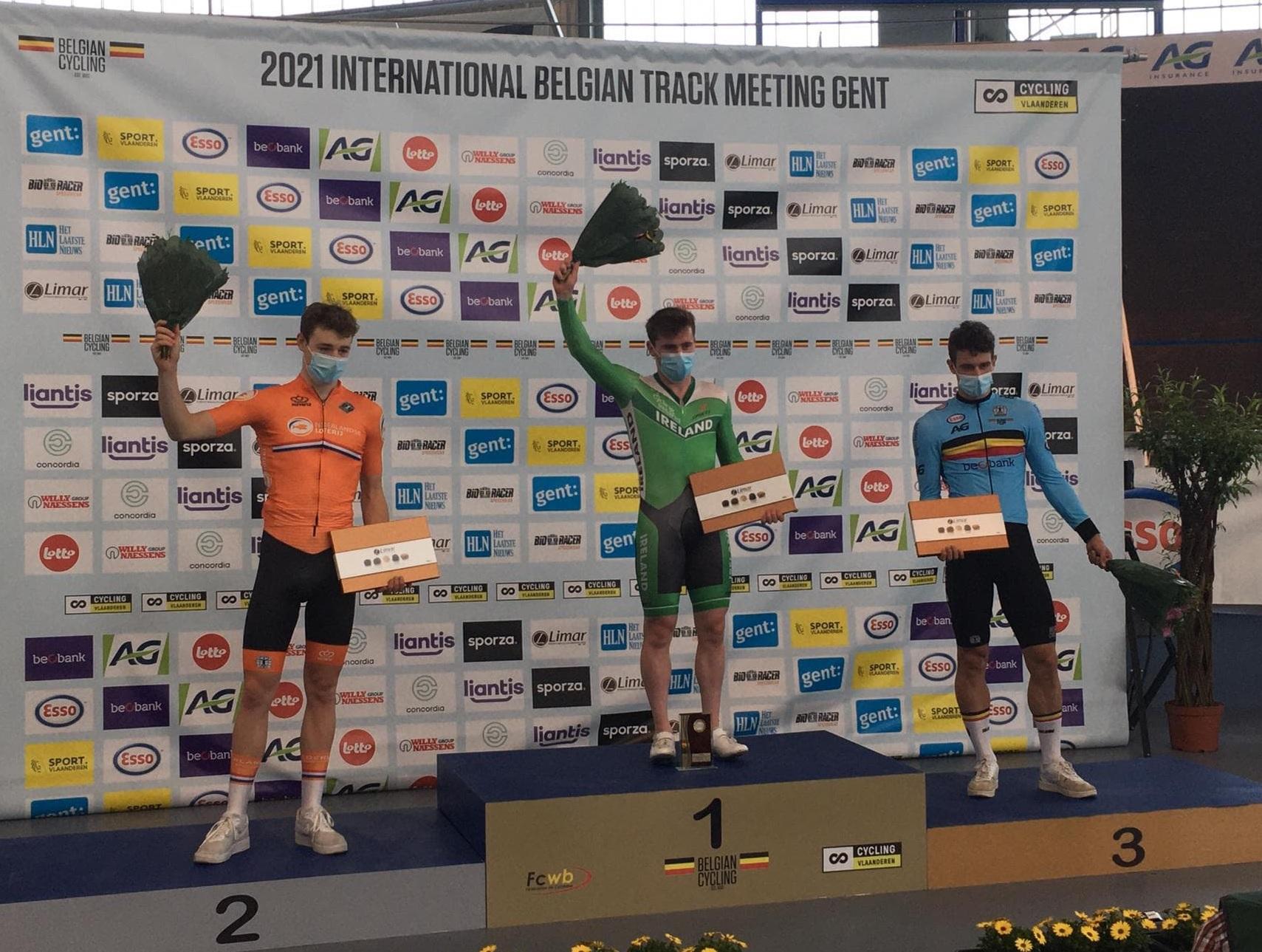 Wielrenner Tuur Dens opnieuw succesvol op de piste