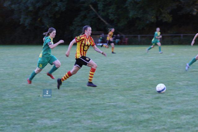Bongaerts is onderweg naar de 0-2, ze scoorde twee keer