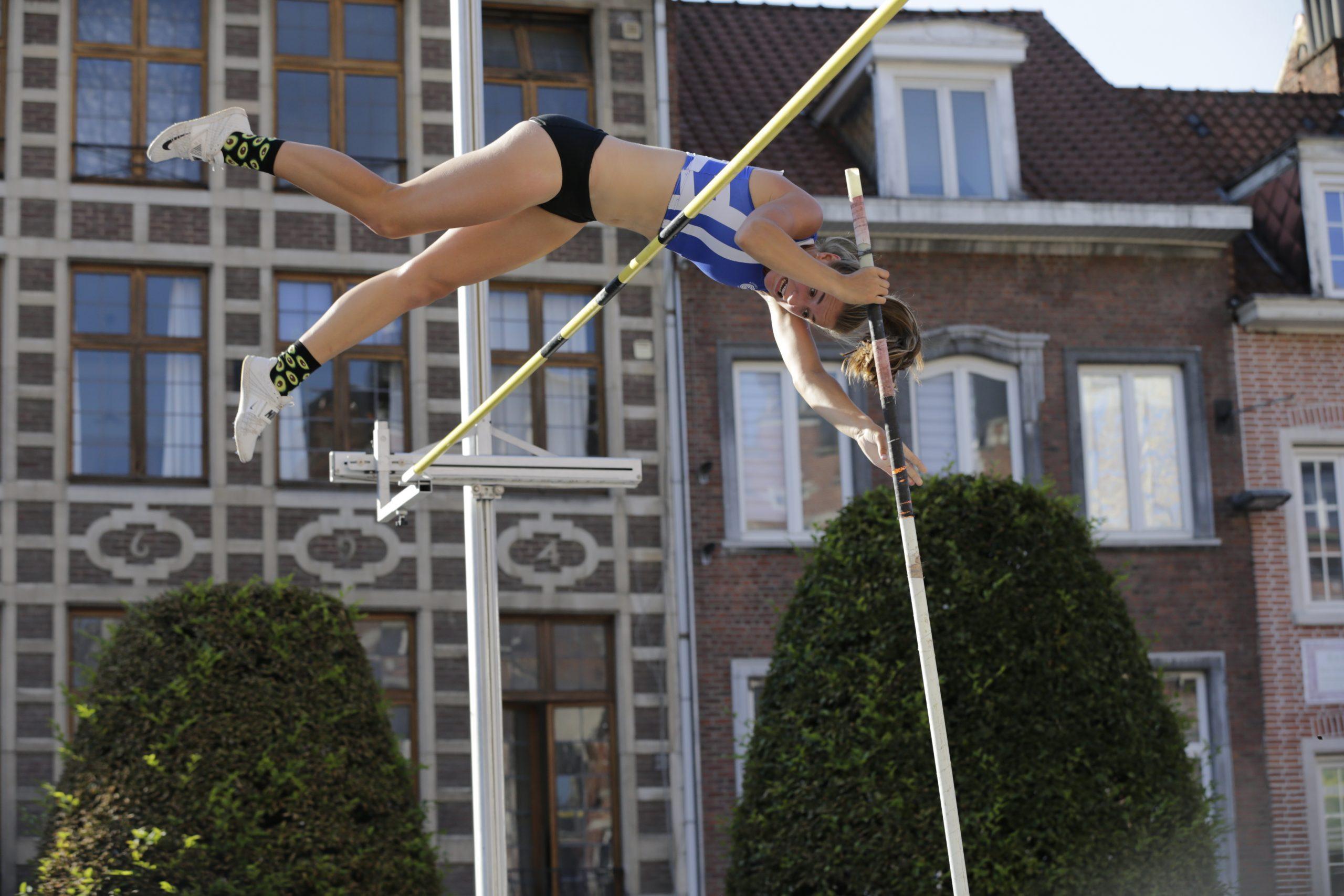 Zeven olympiërs in actie tijdens Leuvens polsstokgala
