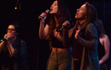 Singin' in the Snow: A Cappella Jam Entertains