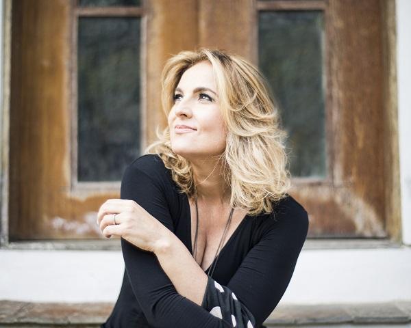 Isabella Taviani traz show gratuito para Curitiba