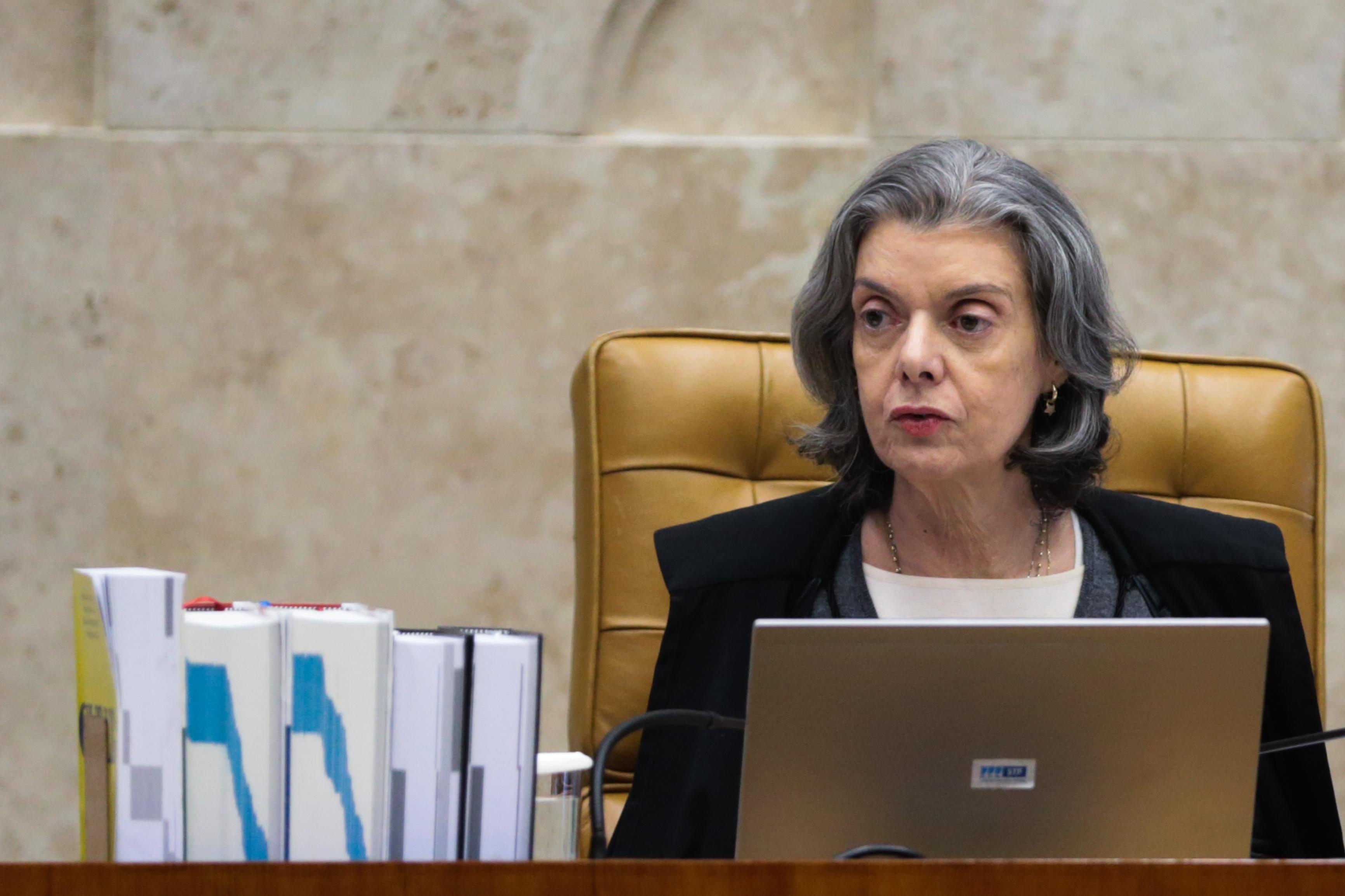 CÁRMEN LUCIA VOTA CONTRA INTERVENÇÃO EM INSTITUTOS FEDERAIS E CEFETS