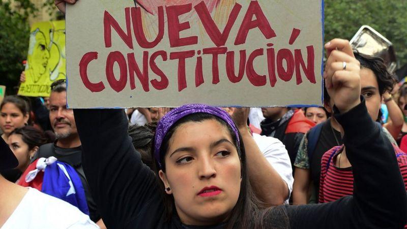 MULHERES SÃO MAIS VOTADAS NO CHILE, MAS LEI AS OBRIGA A CEDERC LUGARES NA CONSTITUINTE A HOMENS