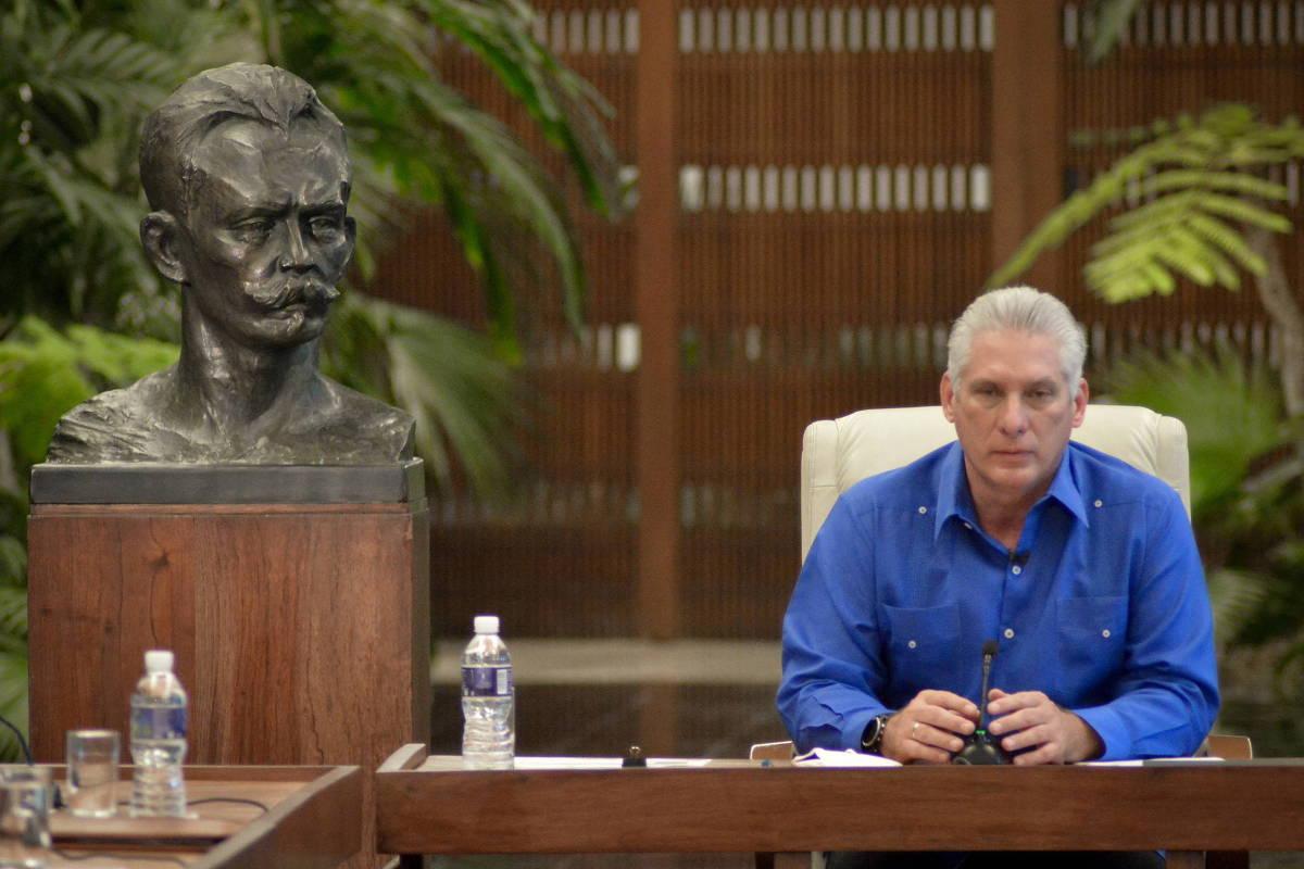 DITADURA, CRISE SANITÁRIA, FOME E INFLAÇÃO LEVAM POPULAÇÃO A PROTESTOS EM CUBA