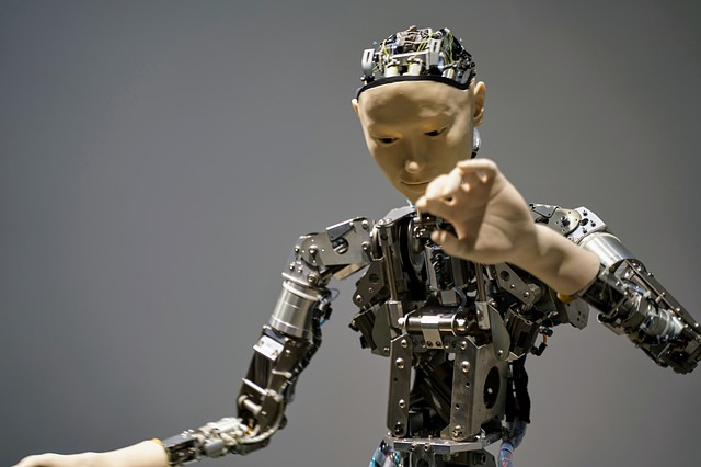 Robot Symbolizing Possibilities That Come With Joining AI With 5G