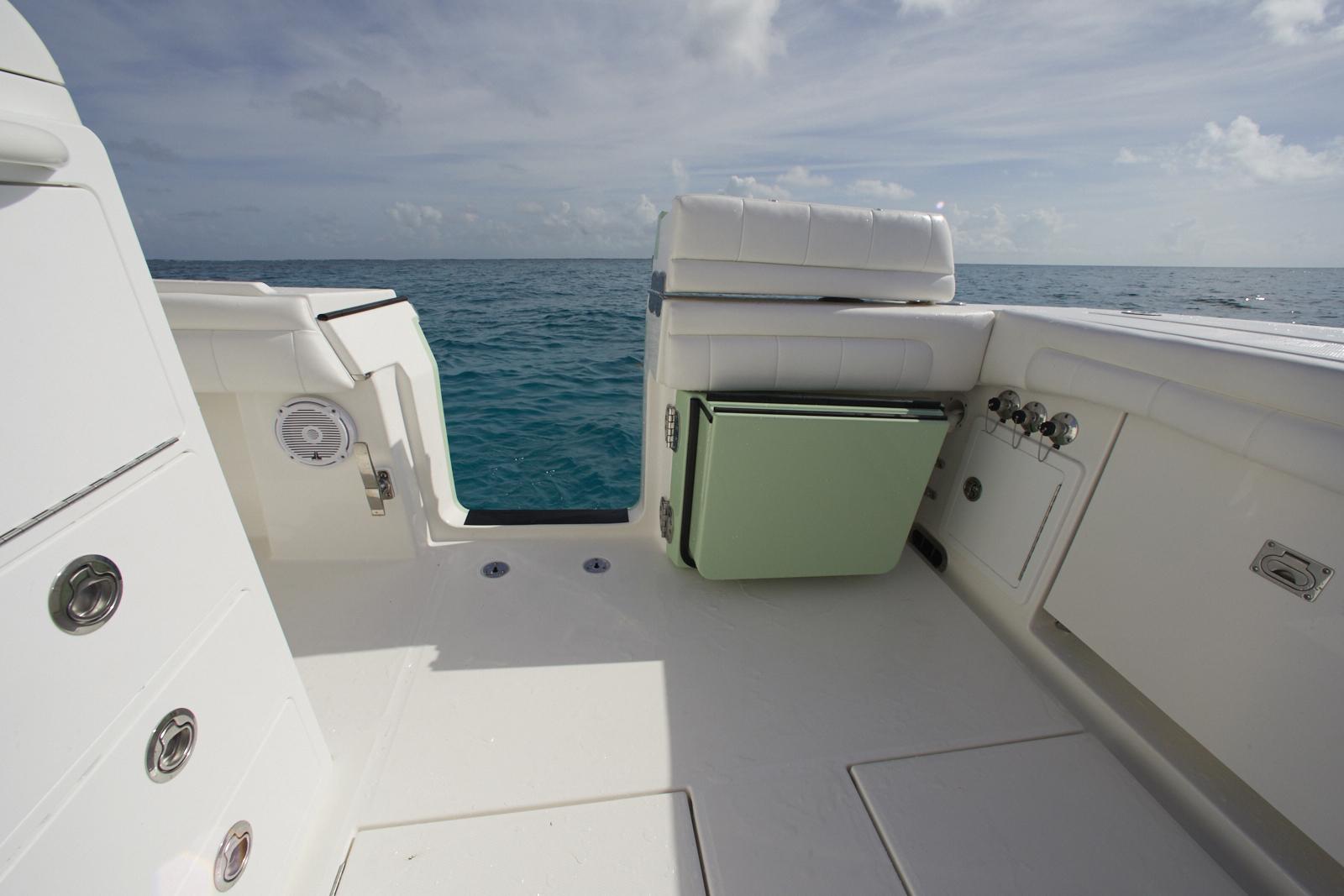 hight resolution of regulator 34ss starboard side dive door