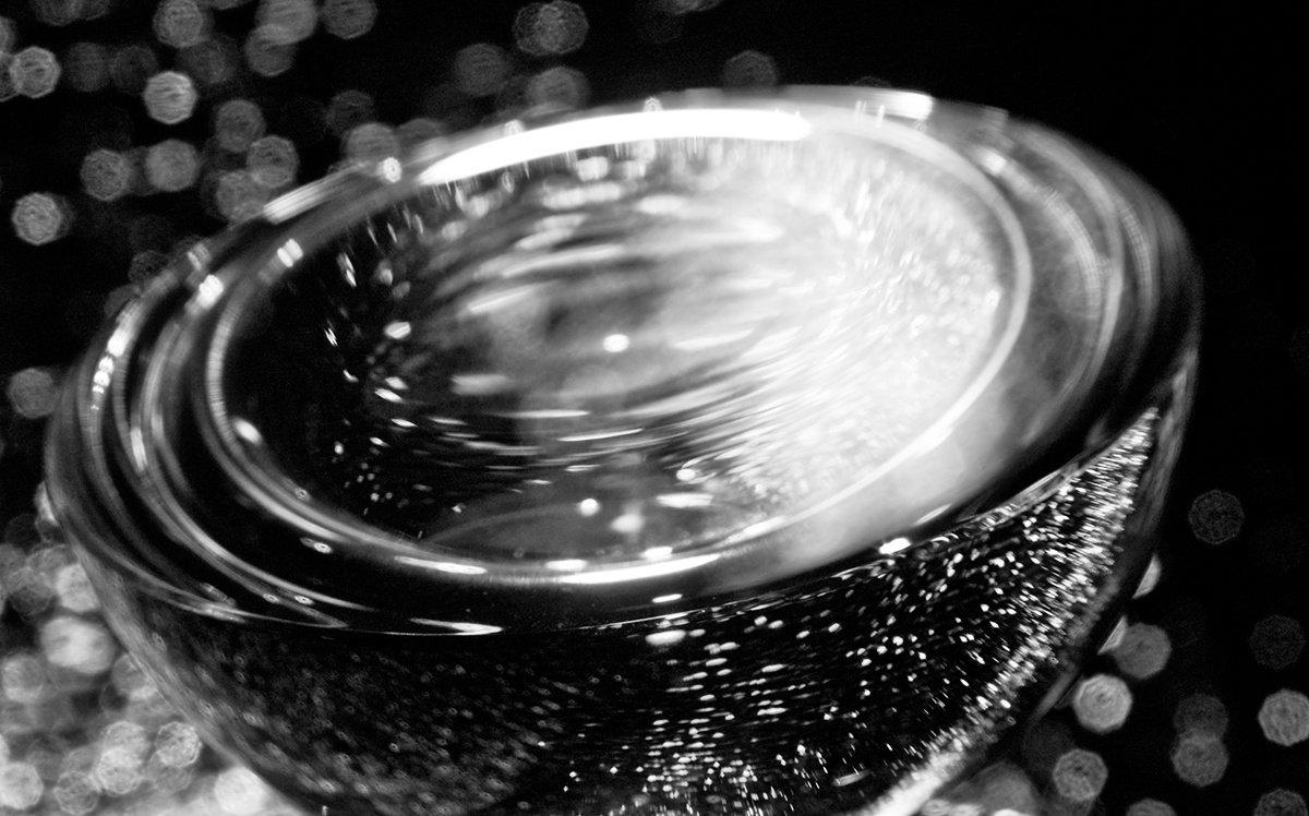 Abstraktes mit Glas II