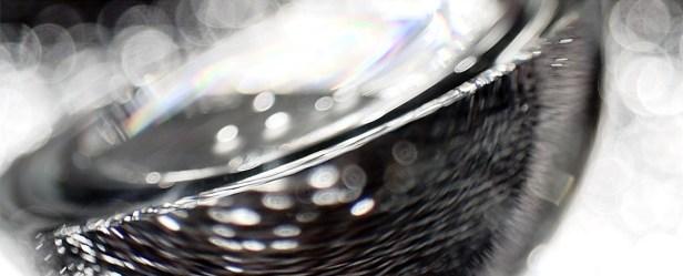 Abstraktes mit Glas