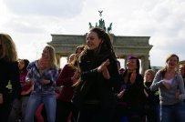 Bild-27-Zumba-Flashmob-Brandenburger-Tor