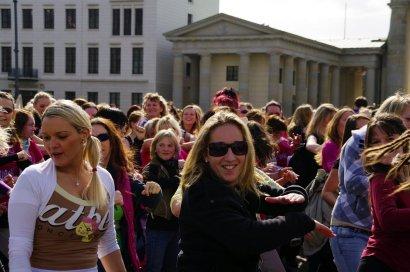 Bild-36-Zumba-Flashmob-Brandenburger-Tor
