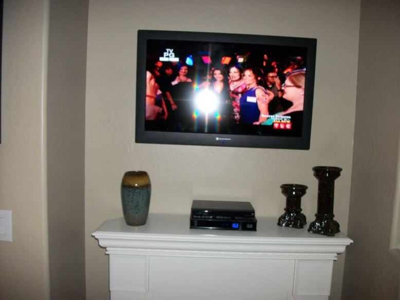 32 LED flat screen TV with cable