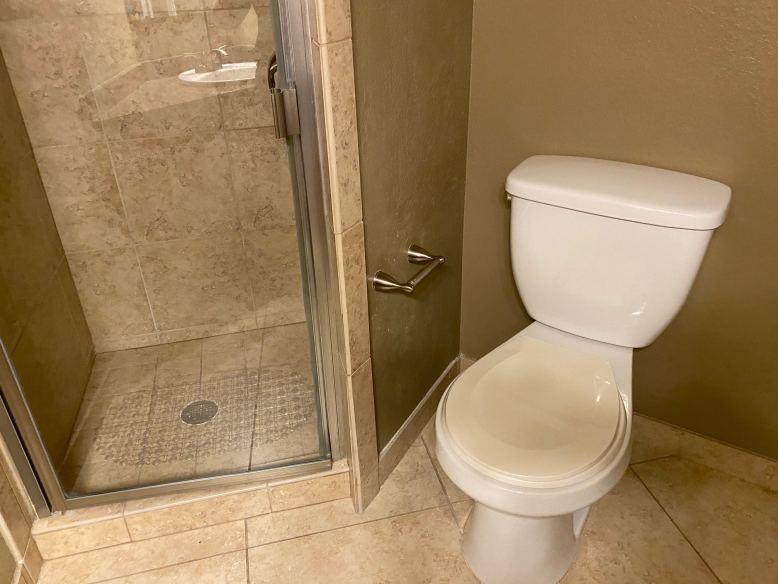 Bathroom 2 Toilet_Shower