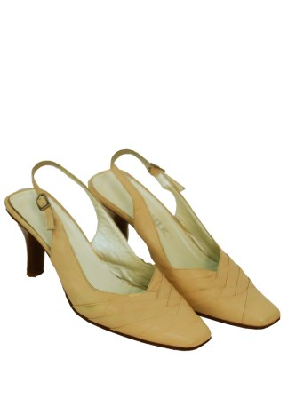 016da5a54e1 Cream Leather Slingback Shoes with Tiered Leather Detail – UK Size 5