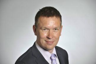 LKS 20120403 - Kansanedustaja Tom Packalen (perussuomalaiset) eduskunnassa Helsingissä 26. huhtikuuta 2011. LEHTIKUVA Markku Ulander